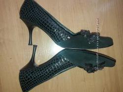 Женские кожаные модельные туфли 39 р. стелька 27 см