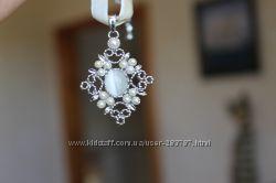 Ожерелье на бархатном подвесе