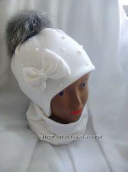 Красивая шапочка и хомут на девочку с помпоном песец