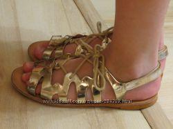 золотые босоножки Zara 33 размер