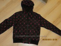 отличная курточка на девочку 9-11лет. ветровочка  Frisk 152-158рост