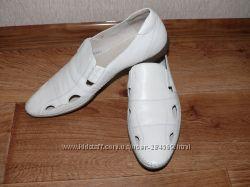 Туфли кожаные 44 размер, новые, очень красивые