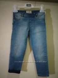 Летние джинсы скинни, в идеале.