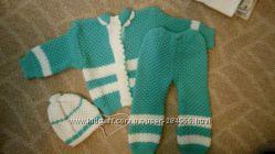 Вязаный костюмчик для малыша