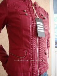 Весенняя курточка малинового цвета, размер S-M. Новая Почта бесплатная дост