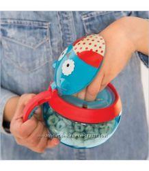 Чaшкa-кoнтейнер для cнекoв непросыпайка Skip Hop