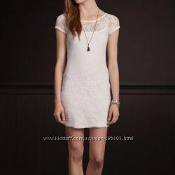 Нежное платье размер XS от Hollister