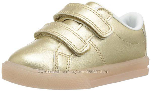Carters кроссовки с мигалками 27p
