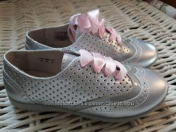 Полностью кожаные туфли Umi Kids. 32 р. Броги. 19. 5-20 см стелька