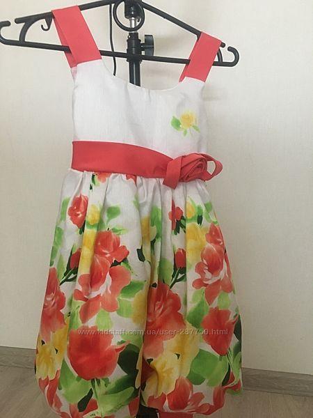 Платье шикарное нарядное для девочки в идеальном состоянии