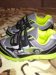 Новые кроссовки 32 размер