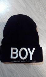 Хит, стильные шапочки  BOY