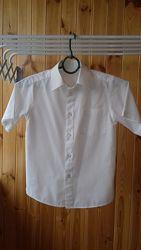 Тениска рубашка белая 140 рост, чистая, без дефектов