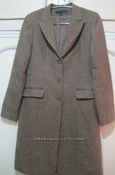 Пальто-тренч женское на изящную девушку 44 размера