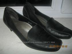 Кожаные туфли классика 37, 5 размера