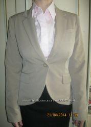 Cтильный светлый пиджак