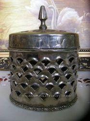 Старинная бронзовая шкатулка с остатками по серебрения