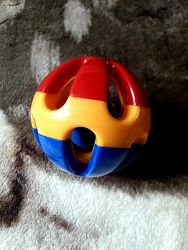 Мяч погремушка ТOLO оригинал