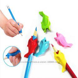 Ручка-самоучка, насадка для ручки, тренажер для письма дельфин