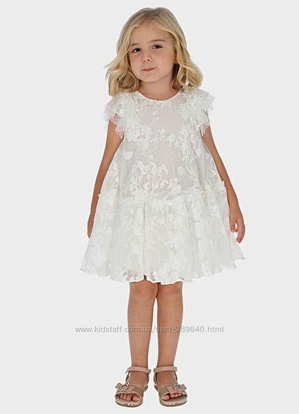 Нарядное кружевное платье Mayoral на рост 104 см