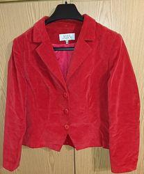 Пиджак вельветовый, 50 размер, состояние идеальное.
