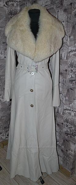 Кожаное пальто с мехом песца