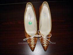 Кожаные туфли Versace Италия, оригинал р. 37